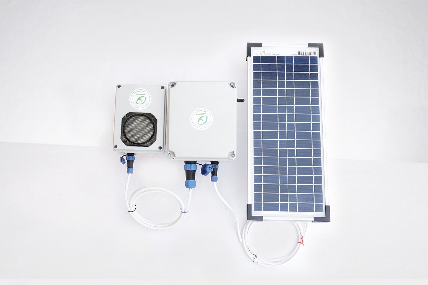 Klangattrappe Solarmodul und Akku zum Abspielen von Vogelrufen